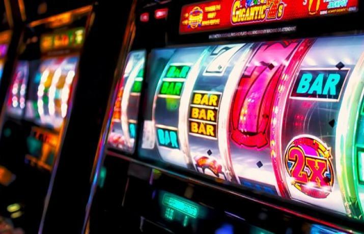 Игровой автомат демо версию как выйти из игры в гта 5 из игрового автомата