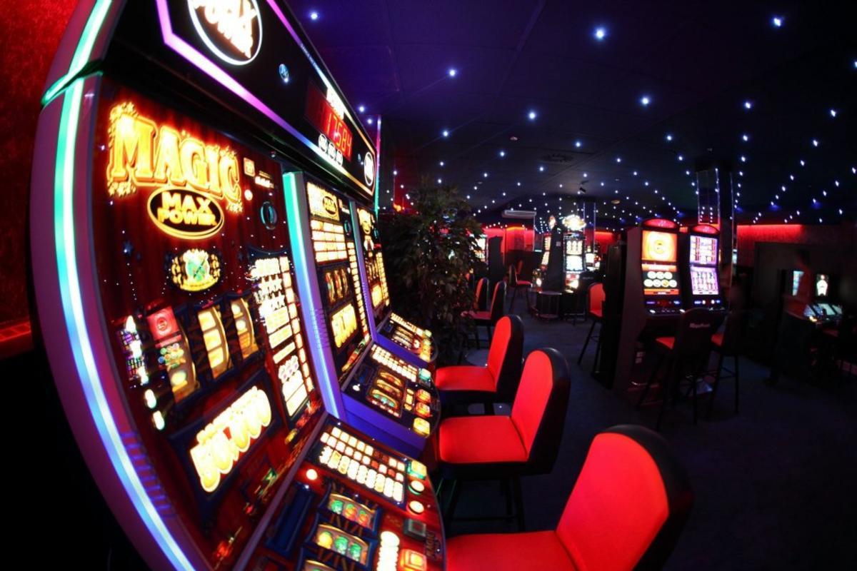 Игры с бонусами на игровых автоматов к чему снится игровой автомат с игрушками